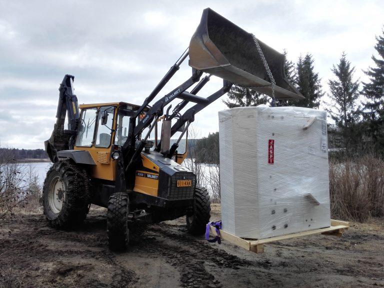Traktorilla uusi massavaraaja puukattilan kaveriks